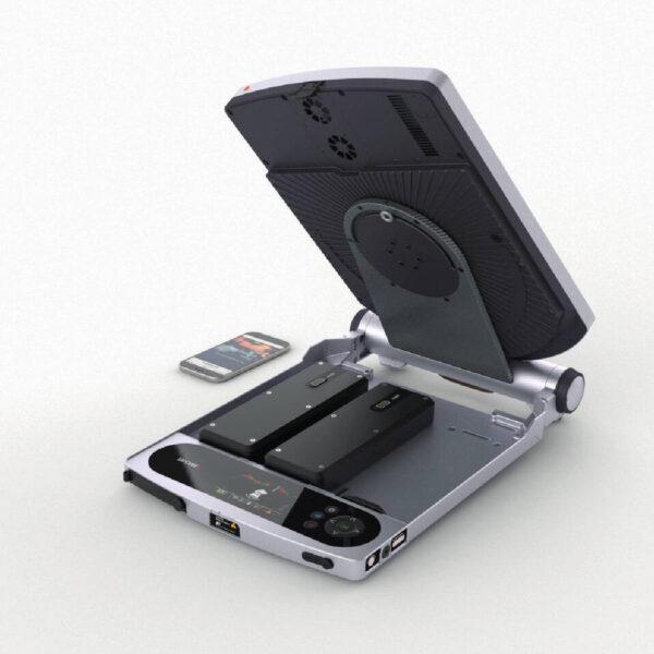 satcube-101-ku-band-briefcase-terminal-2